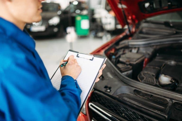 רישום של בעיות ברכב במוסך יונדאי תל אביב