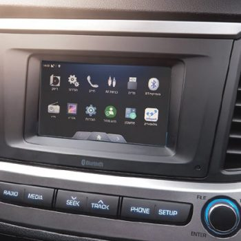 accent-inside-gallery-connectedCar-pic-desktop