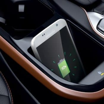 new-ioniqEV-inside-gallery-charger-pic-desktop-1